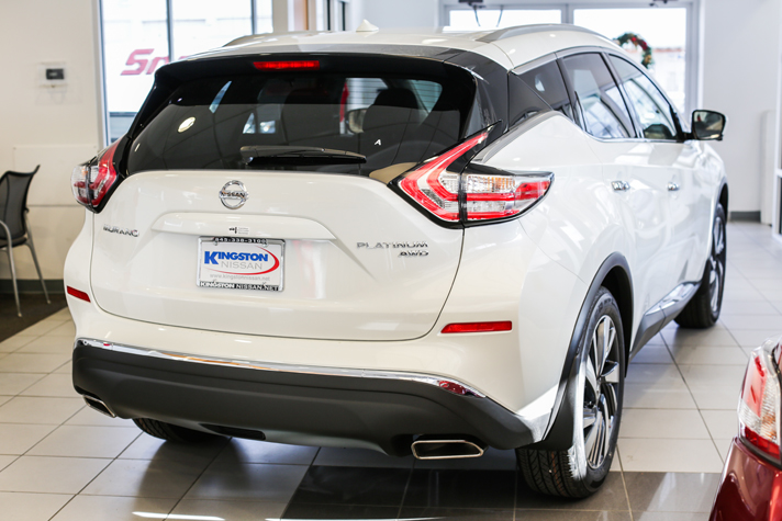 2015 Murano offers a sleek and aerodynamic exterior