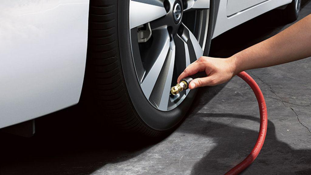 Nissan Sentra Easy Fill Tire Alert