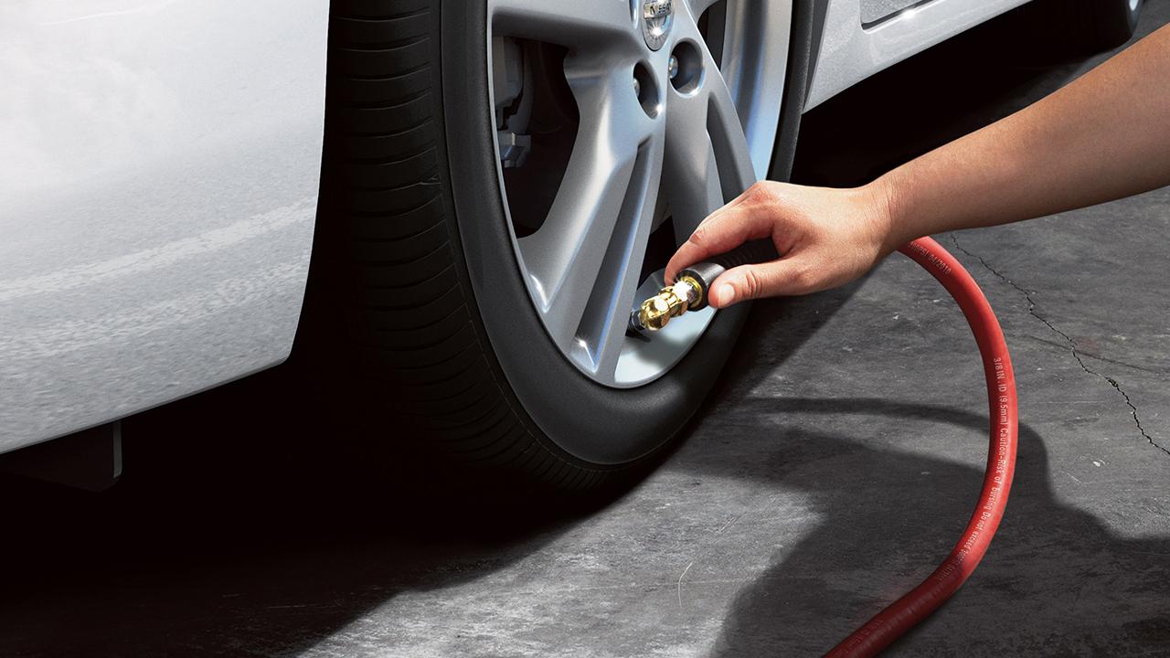 Nissan Altima EZ Fill Tire Alert