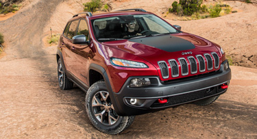 2014 Jeep Cherokee Review is here to show you the strong statement the all-new sculpted, aerodynamic exterior makes on the road.