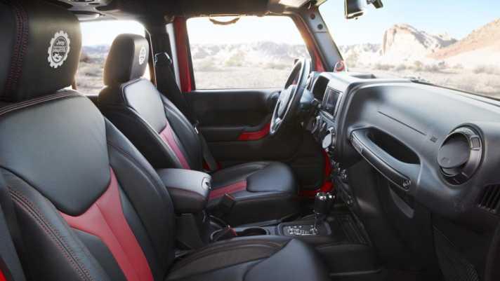 jeep-red-rock-responder-moab-utah-interior