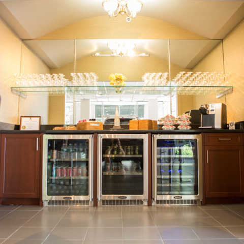 snack bar at service center